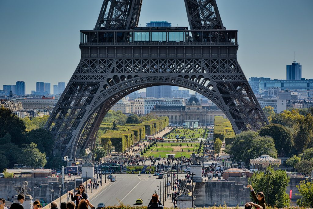 lg EiffelTower viewpoint Trocadero2 BerlinCamera