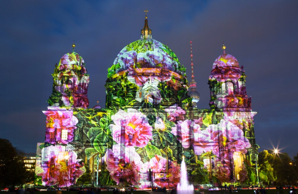 lg FESTIVAL OF LIGHTS BerlinerDom Berlin2014 BerlinCamera1