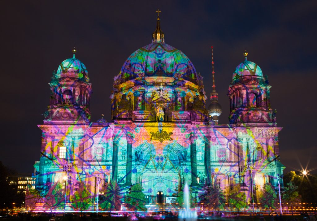 lg FESTIVAL OF LIGHTS BerlinerDom Berlin2014 BerlinCamera4