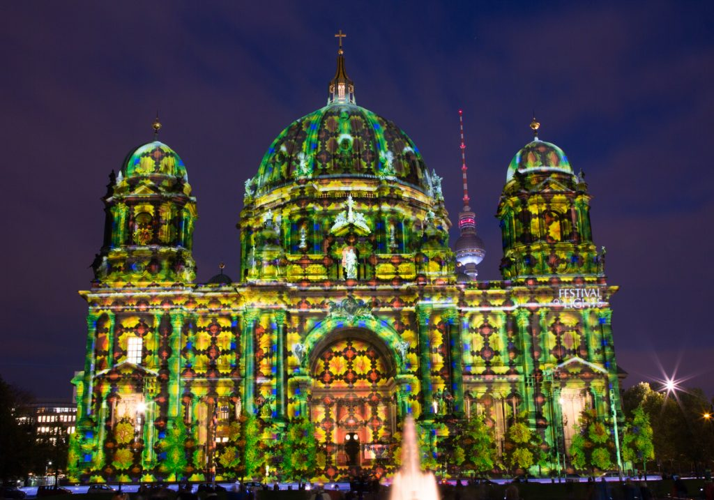 lg FESTIVAL OF LIGHTS BerlinerDom Berlin2014 BerlinCamera5