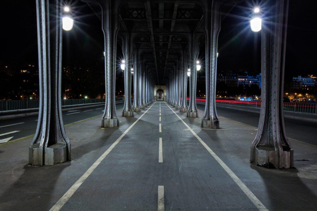lg BirHakeim Paris Night BerlinCamera