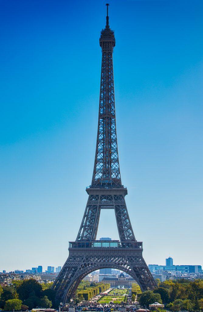 lg EiffelTower viewpoint Trocadero1 BerlinCamera