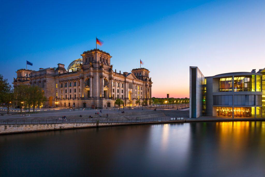 lg Reichstagsgebäude Berlin BerlinCamera